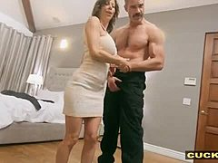 Cuckolding mamma pounded and spermed mom tube